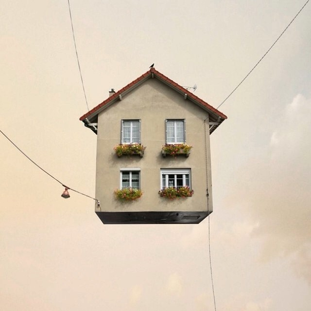 Flying Houses by Laurent Chehere #fotografia #photography #arte #art #artecontemporaneo #contemporaryart #exhibition #exposición #museo #museum #artist #artista #FlyingHouses #LaurentChehere